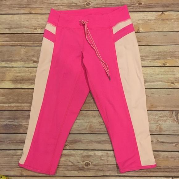 lululemon athletica Pants - Lululemon Heat It Up Crop in Pink, Size 2